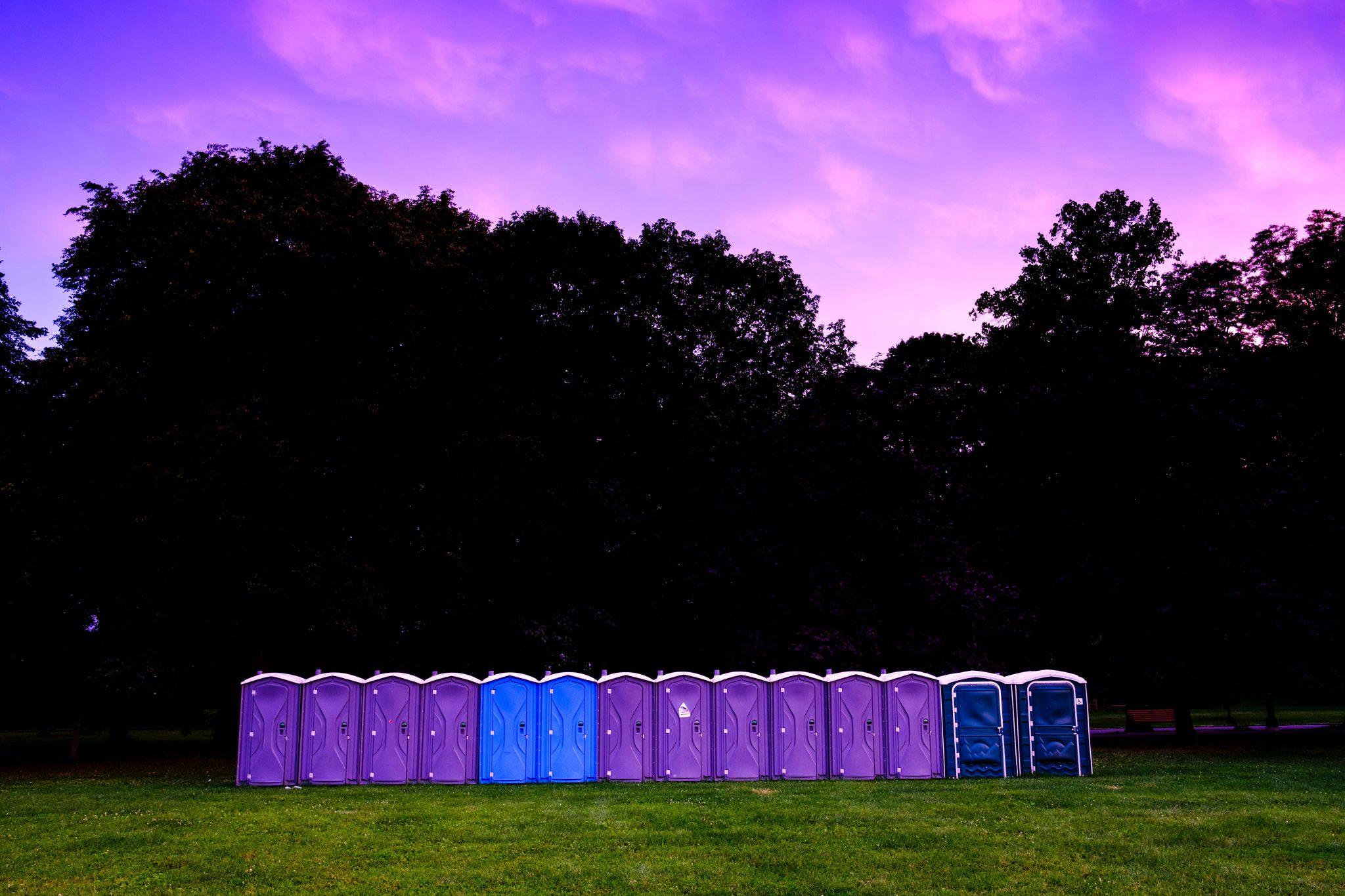 Toalety przenośne na wydarzenia plenerowe